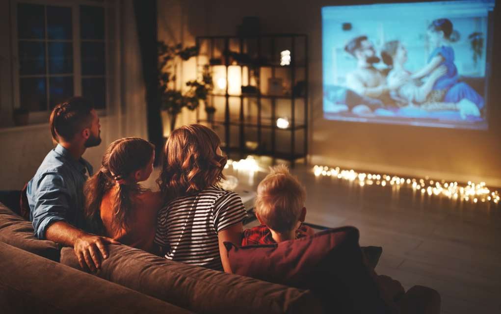 how to make a home cinema for your next family movie night lead