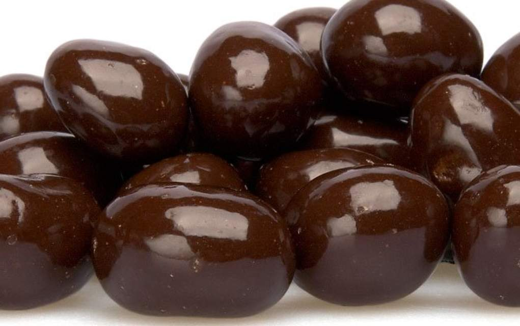chocolate covered raisins