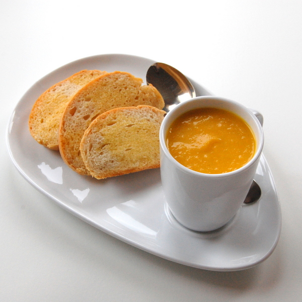 carrot-apple-ginger-soup.jpg