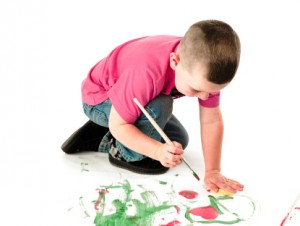 kids doing art