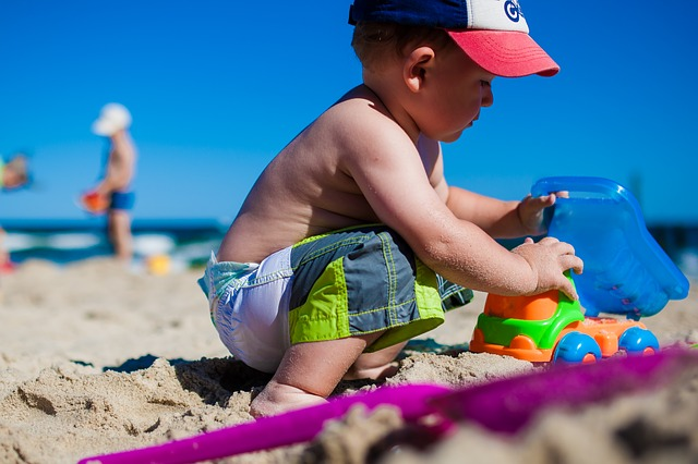free family things to do boy on the beach