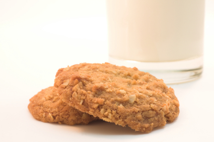 lunch box ideas Oatmeal cookies and a glass of milk.