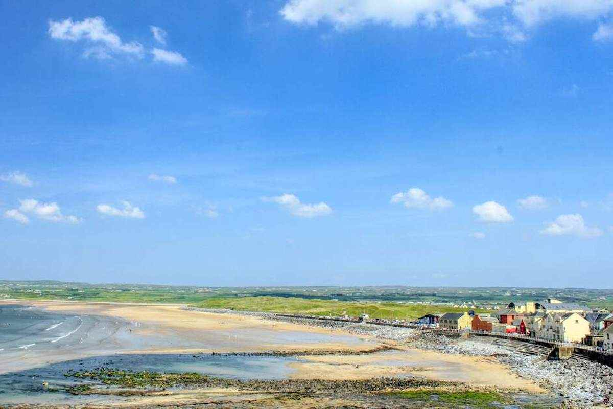 Lahinch for walks in Clare