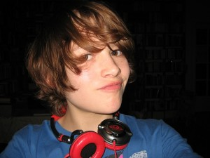 boy-tween-headphones