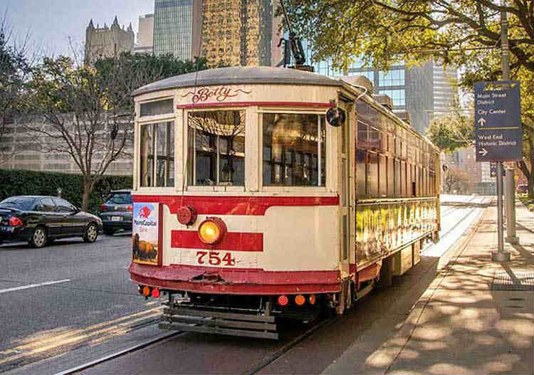 Mckinney Ave trolley free things to do in Dallas - Mykidstime
