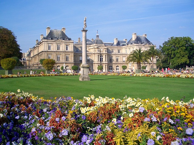 10 free things to do in paris with kids for Jardin french to english