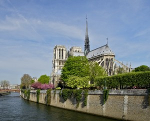 notre-dame-things-to-do-in-Paris-budget-jpg