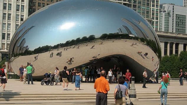 Outdoor movie nights, museums, beaches and even a zoo- just some of the things on our 10 FREE Fun Things to do in Chicago with Kids! Go out and explore!