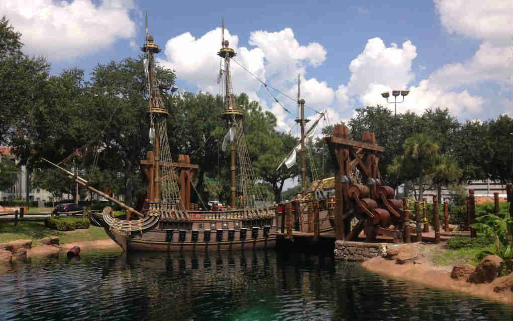 Mykidstime things to do in Orlando with kids Pirate's Cove golf