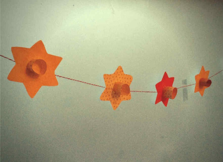 Daffodil bunting for Easter crafts for toddlers - Mykidstime