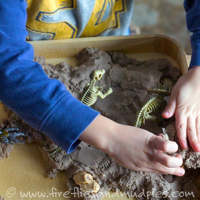 Preschool-Dinosaur-Dig