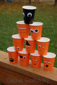 Halloween-Cups-Stacked-DIY (1)