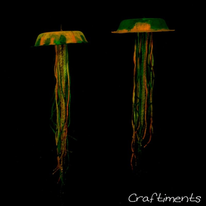 glow in the dark jellyfish craft