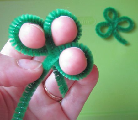 pipe cleaner shamrock