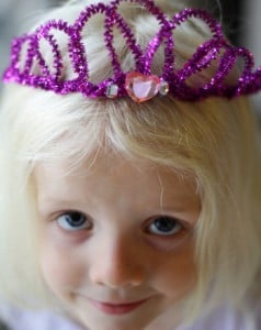 sparkly-pipe-cleaner-tiara-slide