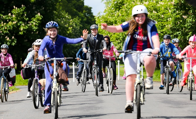 Minister Donohoe gets National Bike Week into gear