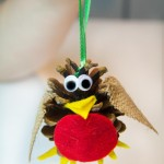 Pine-Cone-Robin-kid-made-Christmas-ornament-683x1024