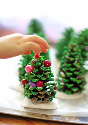 12 Perfectly Simple Pine Cone Crafts Kids Can Treasure