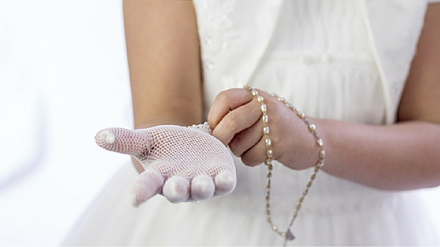 How to Save Money on Cost of First Communion