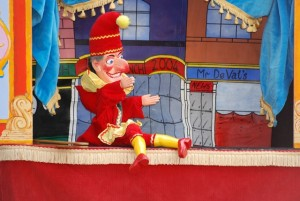 Things to do with kids on a rainy day puppet show