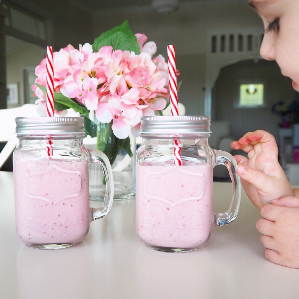 lovely little lunchbox raspberry banana smoothies