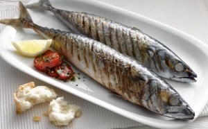 healthy lunch ideas mackerel with tomato salad