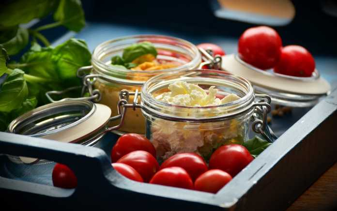 salad in a jar healthy lunchbox ideas