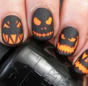 monster-halloween-nails