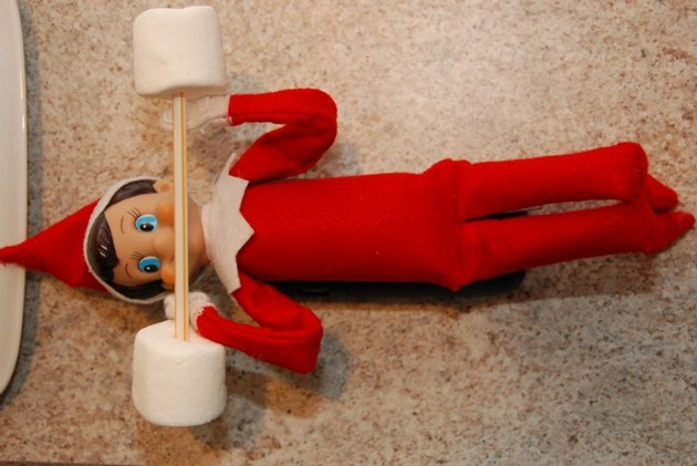 weightlifting-elf for elf on the shelf ideas