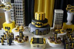 Lego Batman Party Cake from Catia Festas Facebook