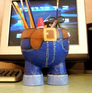 Crafts for Kids papier mache pants pen holder from Lunticks