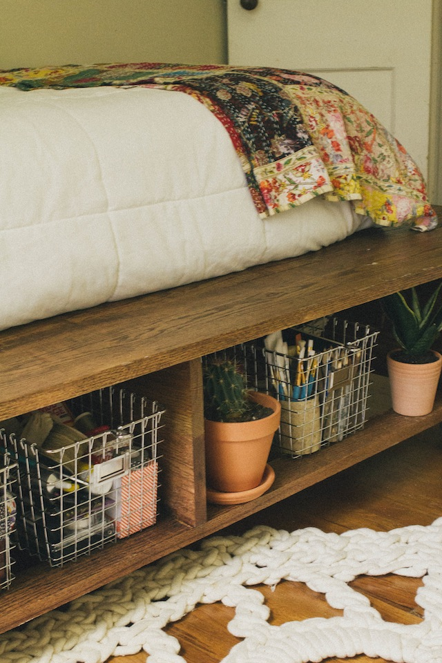 8 more chic and clever ideas for small room decor - Bed frames for small rooms ...