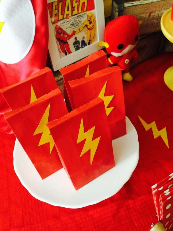 superhero theme party bags from pintrest