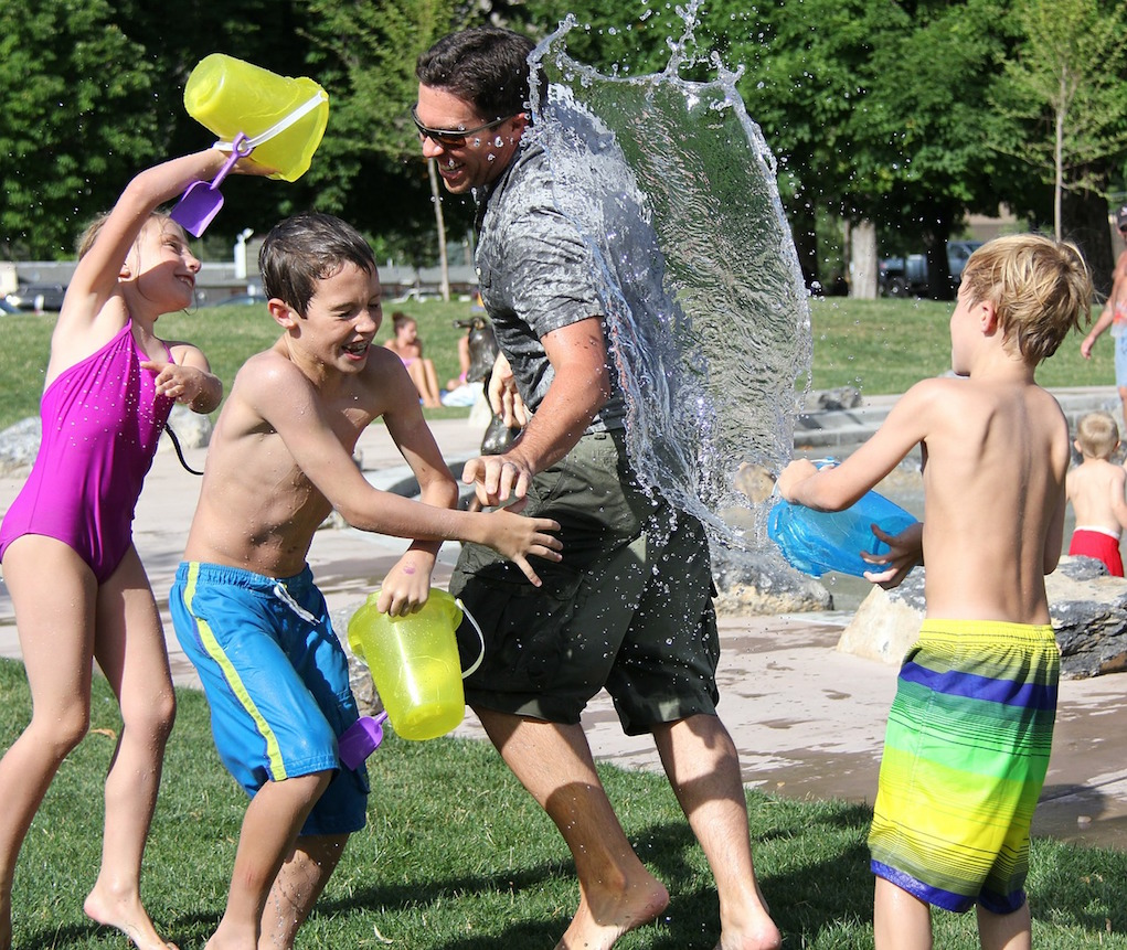 outdoor kids party water fight