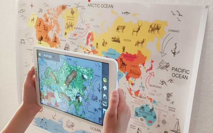 Augmented Reality technology clever books geography