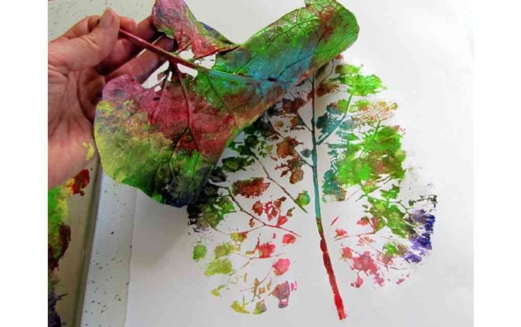Leaf craft ideas - leaf printing