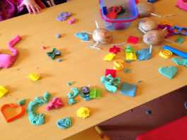 messy play ideas for Autumn