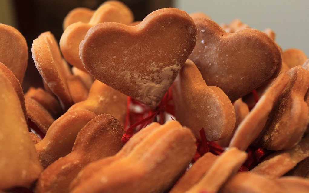 gingerbread heart cookies valentines cookie recipes