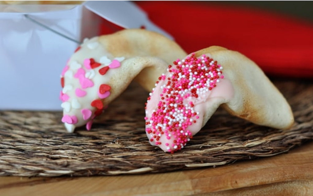 valentines day fortune cookies from Mels Kitchen valentines cookie recipes