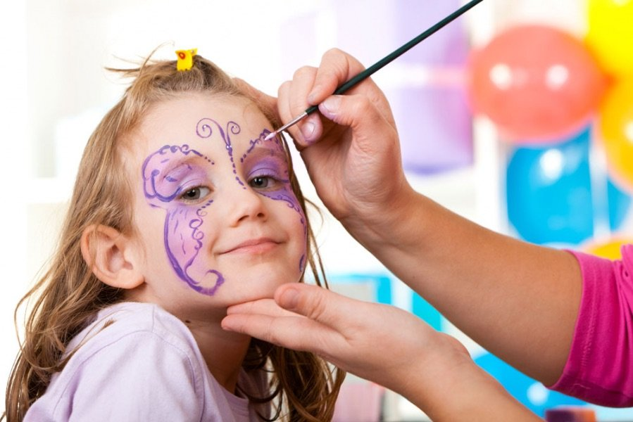 Clonakility Park Hotel Facepainting for February mid-term
