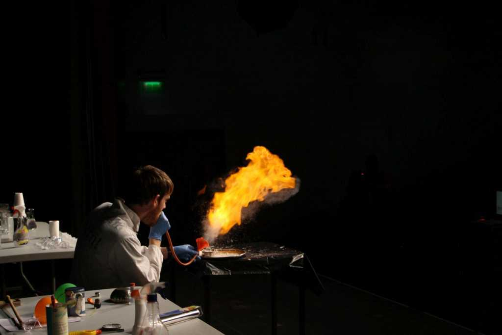 science magic show limerick