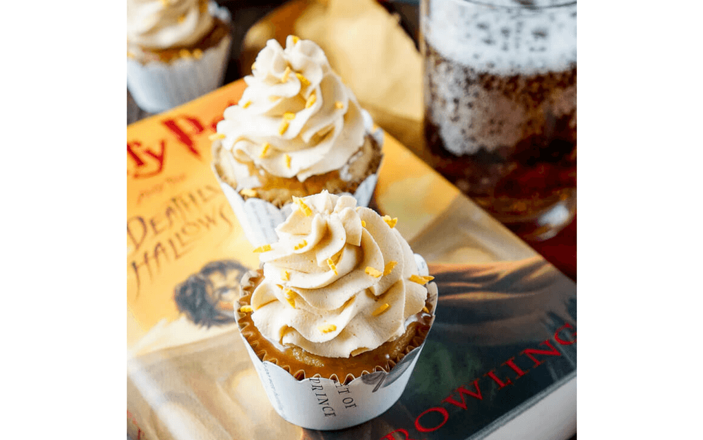 Harry Potter food butterbeer cupcakes from Sugar and Soul
