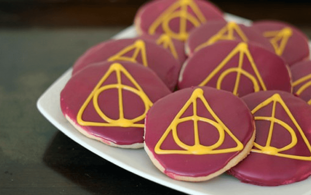 Harry Potter food Deathly Hallows cookies from The Kitchen Magpie