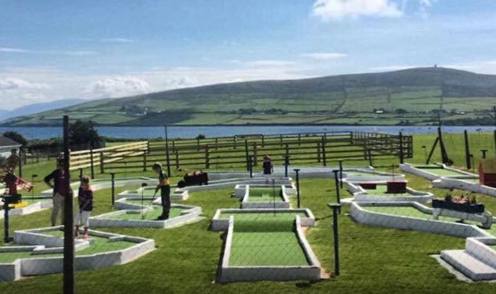 Places to Play Mini Golf and Pitch and Putt in Ireland Dingle pitch and putt and funghies crazy golf Kerry