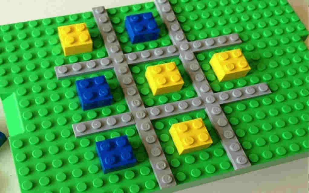 LEGO Instructions for tic tac toe