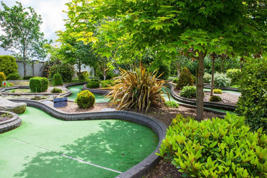 Amber Spring Hotel Crazy Golf best hotels for families with teens