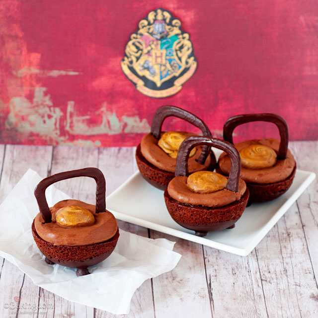 Cauldron cakes