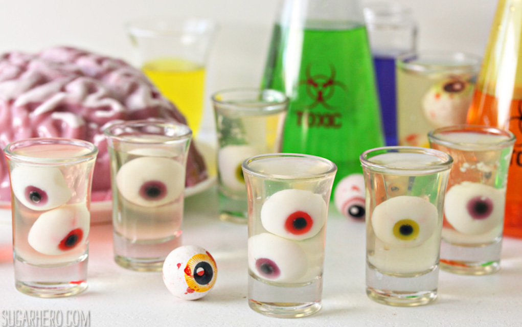 Jelly eye balls for Halloween party food ideas
