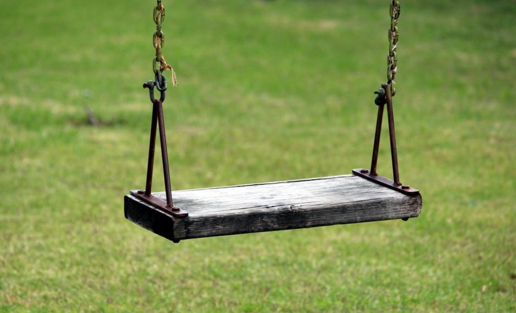 how to create a child friendly garden swing