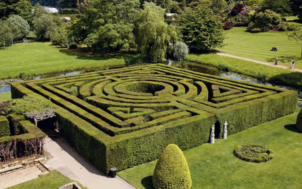 Hever Castle maze for mazes in the UK